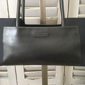 TUMI Leather Shoulder Bag Travel Purse